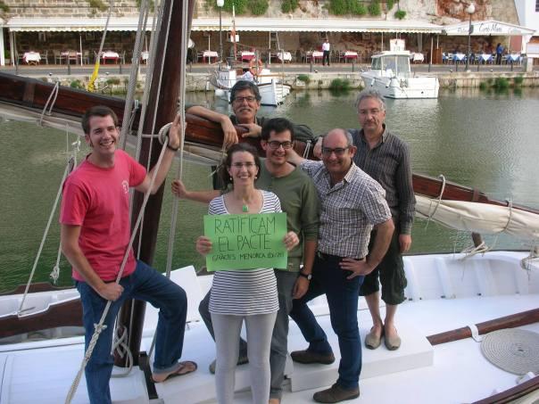 Laura, Iñaki, Rafel, Tòfol i @borjapellejero. Port de Maó. Menorca